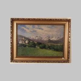 Dorf mit Gebirge